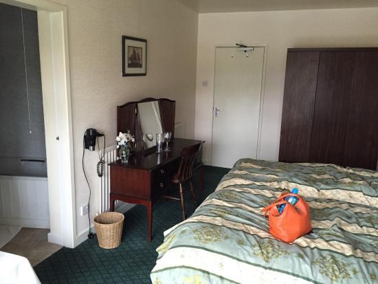 The Lenchford Inn: Our room :)