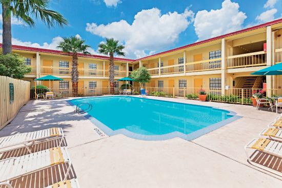 La Quinta Inn San Antonio Lackland  Photo