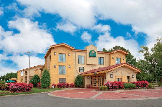 Photo of Ambassador Inn & Suites Hampton