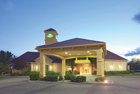 La Quinta Inn Amp Suites Pueblo Updated 2017 Hotel Reviews