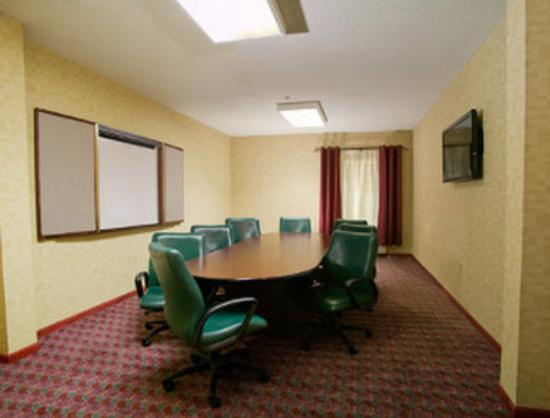 Baymont Inn & Suites Evansville East: Meeting Room