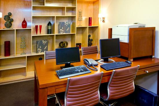 Four Points by Sheraton Charlotte - Pineville: Business Center