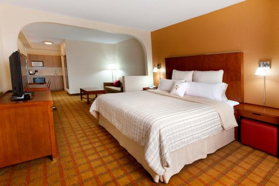 Four Points by Sheraton Charlotte - Pineville: Guest Room