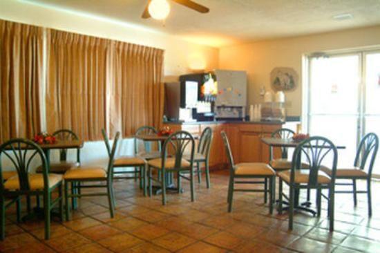 Howard Johnson Mesa Gilbert : Lobby - Breakfast Area