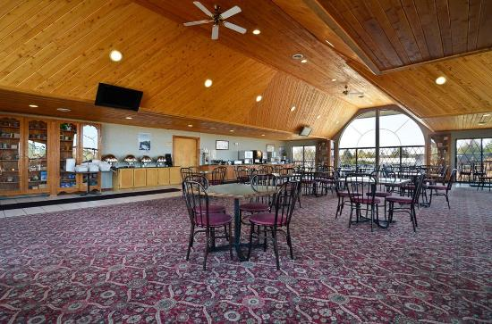 BEST WESTERN PLUS Dockside Waterfront Inn: Breakfast Area