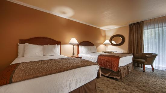 Best Western Miner's Inn: Two Queen Guest Room