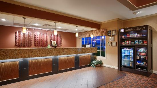 Best Western Plus Coach House: Lobby
