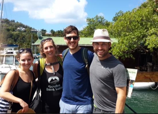 Mango Beach Inn: welcomed on the dock
