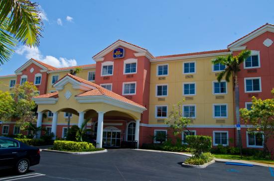Best Western Plus Miami-Doral/Dolphin Mall: Hotel Exterior