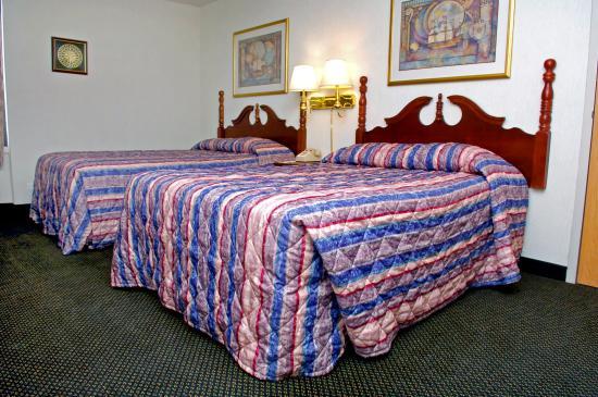 FairBridge Hotel at Executive Plaza Wheeling: Standard Double