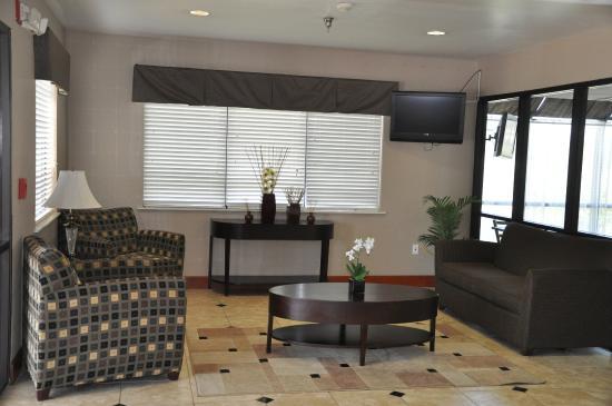 Quality Inn Montgomery: Lobby