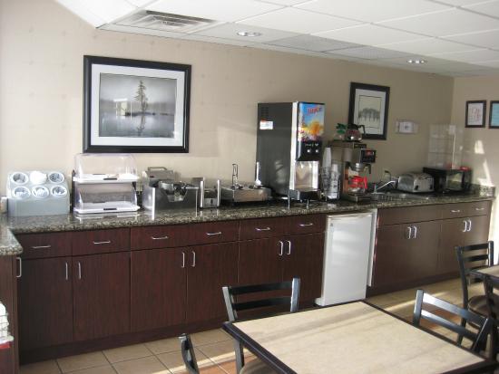 Quality Inn Montgomery : Breakfast Room