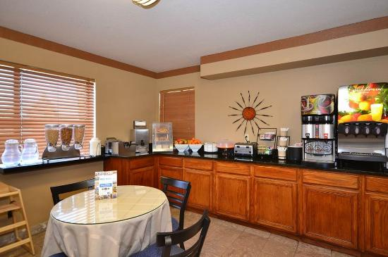 Days Inn Sierra Vista: Breakfast Area