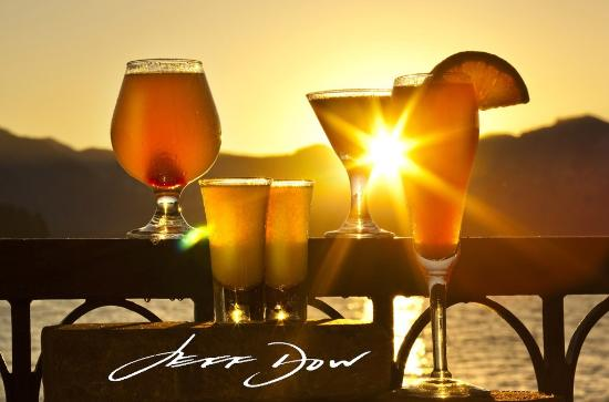 Beach Retreat & Lodge at Tahoe: Sunset Sippers At Boathouse Restaurant