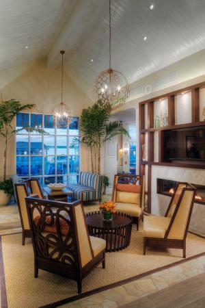 Hotel Indigo San Diego Del Mar: Lobby Twilight