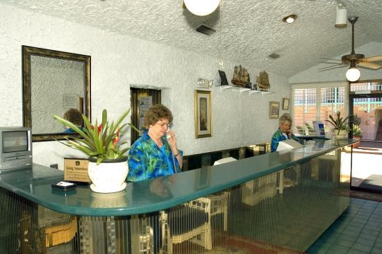 Casa Loma Inn: Lobby