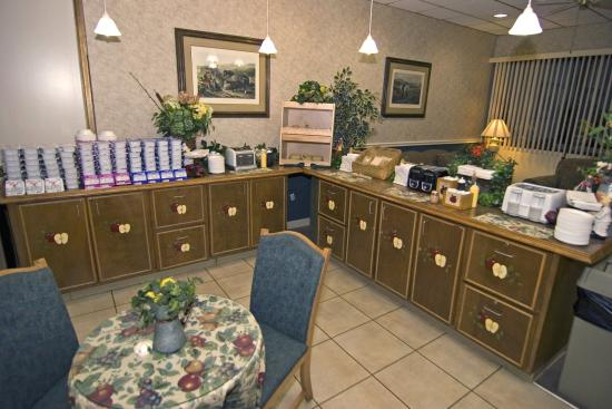 Days Inn Valdosta/Near Valdosta Mall: Breakfast Area