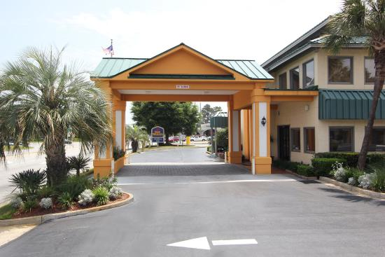 BEST WESTERN Central Inn: Exterior