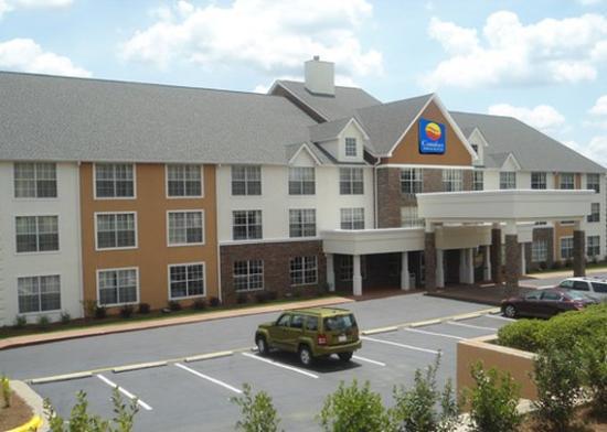 Comfort Inn & Suites Smyrna: Exterior