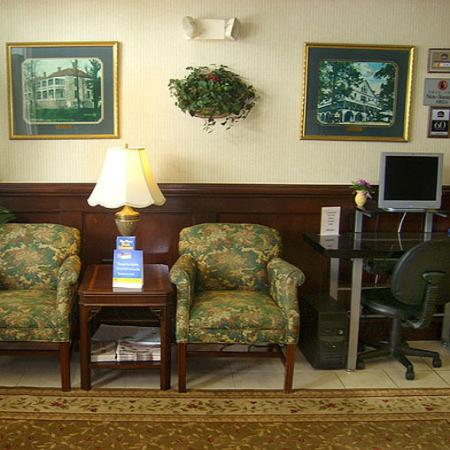 Plantation Inn & Suites Jackson: Plantation Inn And Suites Jackson GALobby Business