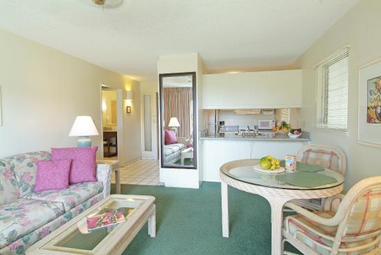 Plantation Hale Suites: Other Hotel Services/Amenities