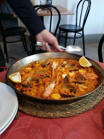 Restaurante Arroceria Puerta de Atocha: Fideua