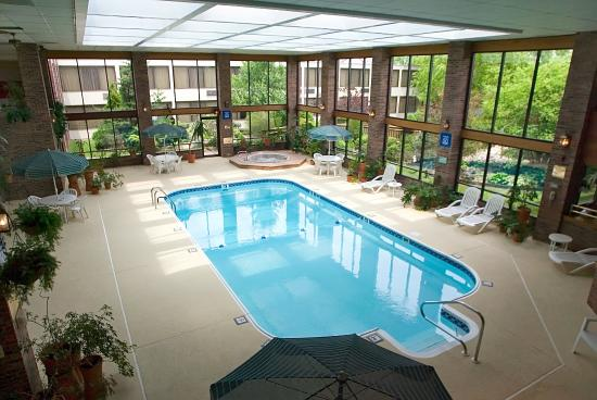 Carlinville, IL: Indoor Pool