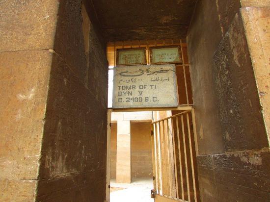 Mastaba of Ti : Entrada a la Tumba de Ti