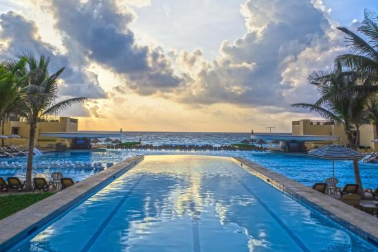The Royal Sands Resort & Spa All Inclusive : Pool