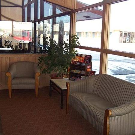 Townsman Inn Larned: Lobby (OpenTravel Alliance - Lobby view)