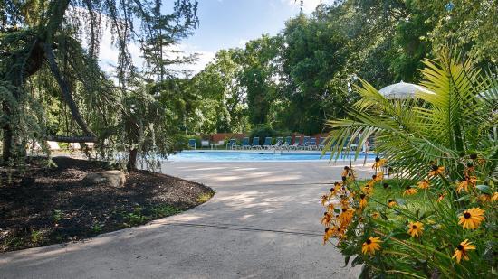 Best Western Woodbury Inn: Outdoor Pool