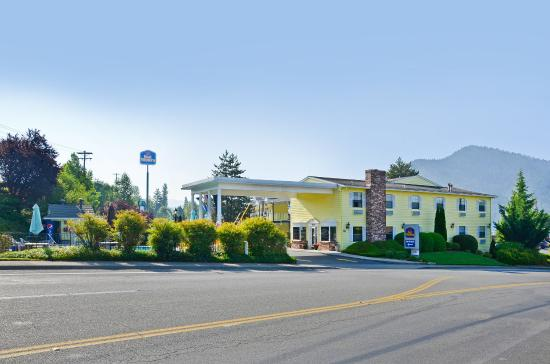 Best Western Grants Pass Inn: Hotel Exterior