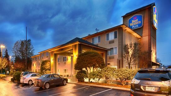 BEST WESTERN PLUS Cascade Inn & Suites : Exterior