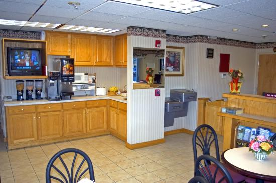 Super 8 Conway/ Myrtle Beach Area: Breakfast Area