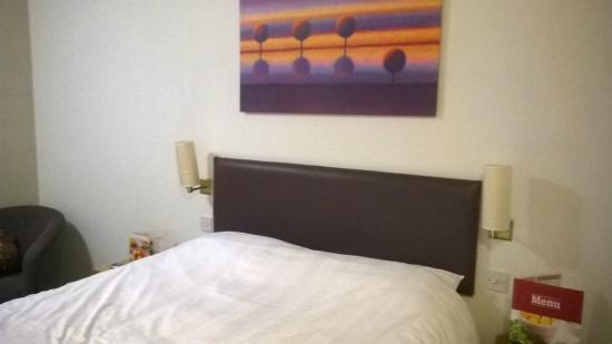 Premier Inn London Croydon South (A212) Hotel : Bedroom