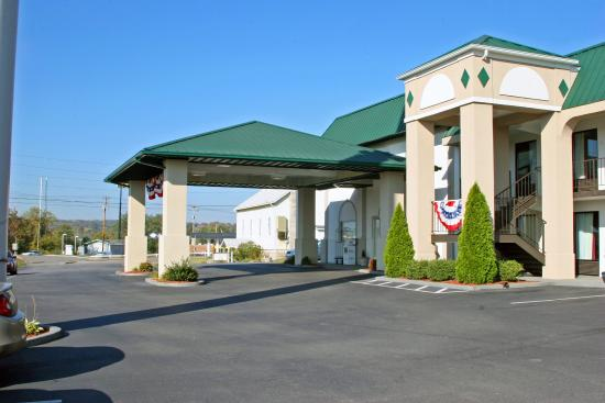 Photo of Guesthouse Inn And Suites Knoxville