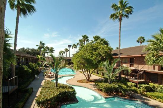 Palm Aire Hotel & Suites: Exterior