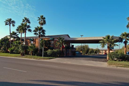 Texas Inn Brownsville Hotel: Exterior