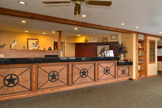 Days Inn Boerne: Front Desk
