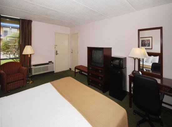 Days Inn Bay City: Guest Room