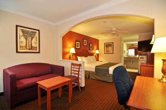 Best Western Pearland Inn : King Guest Room