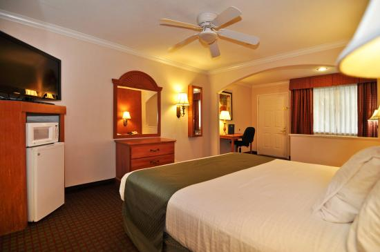 Photo of Best Western Pearland Inn
