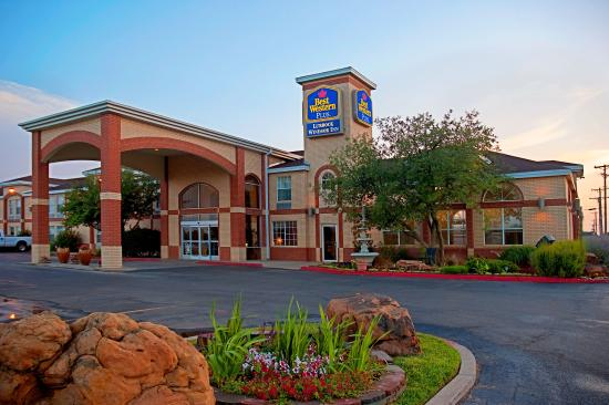BEST WESTERN PLUS Lubbock Windsor Inn: Exterior