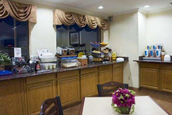 Best Western Garden Inn: Breakfast Area