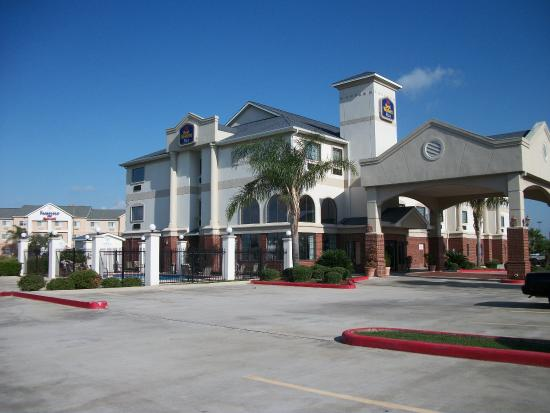 BEST WESTERN Mainland Inn & Suites