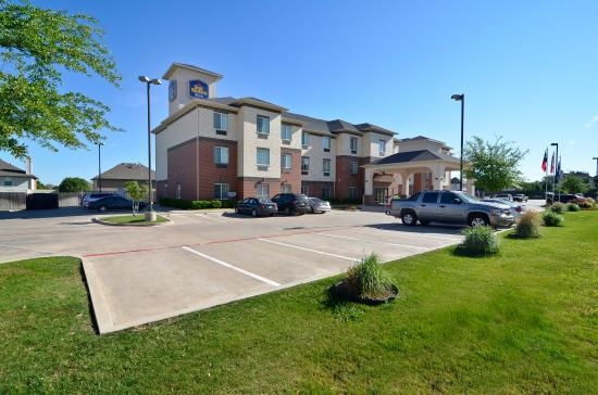 BEST WESTERN Plus Lake Dallas Inn & Suites