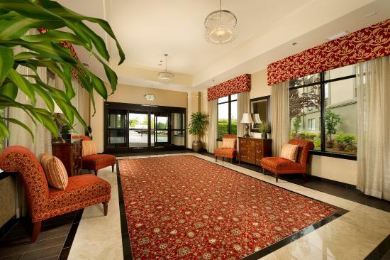 BEST WESTERN PREMIER Plaza Hotel & Conference Center: Grand Foyer