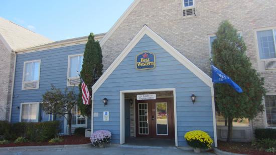 Baymont Inn & Suites Mequon Milwaukee Area: BEST WESTERN Quiet House & Suites