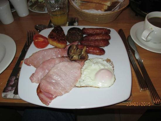 Avlon House Bed and Breakfast: breakfast