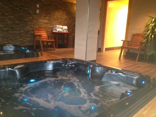 Best Western Tin Wis Resort: Hot Tub